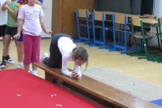 Sportujeme ve školní družině září 2013
